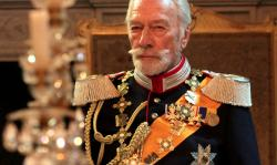 Christopher Plummer stars in The Exception