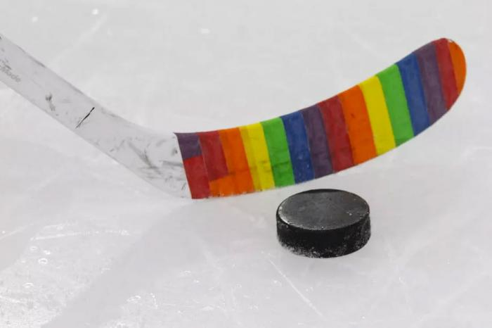 17-Year-Old Canadian Hockey Player Comes Out and Finds Support