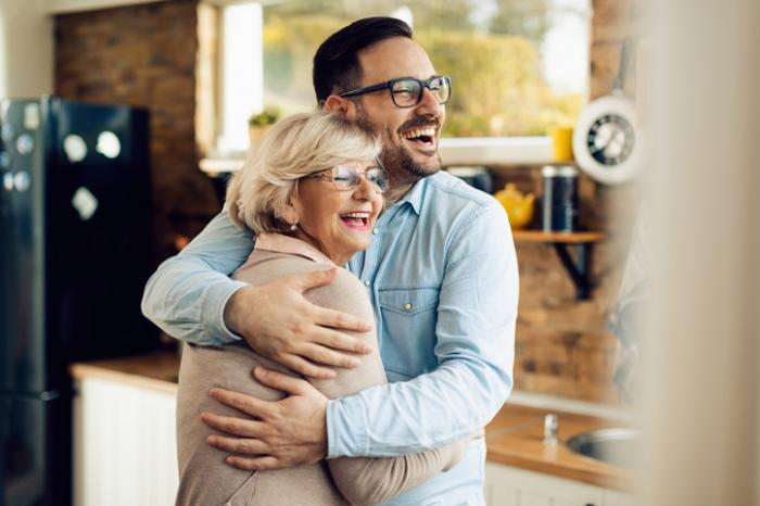 Considering CBD for Your Parents or Loved Senior? Here's What You Need to Know