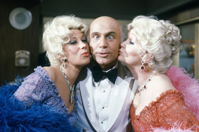 """Gavin MacLeod with actress Debbie Reynolds and Marilyn Michaels on the set of """"The Love Boat."""" (1982)"""