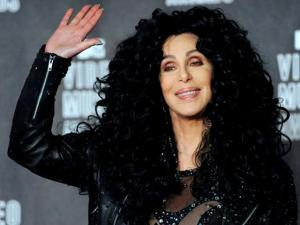 Cher Delivers Hit Songs, Voting Encouragement Over the Weekend